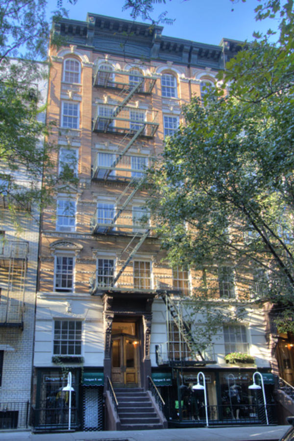 326 East 81st Street - building