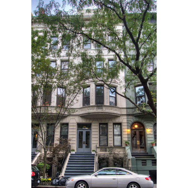 134 West 80th Street: Façade