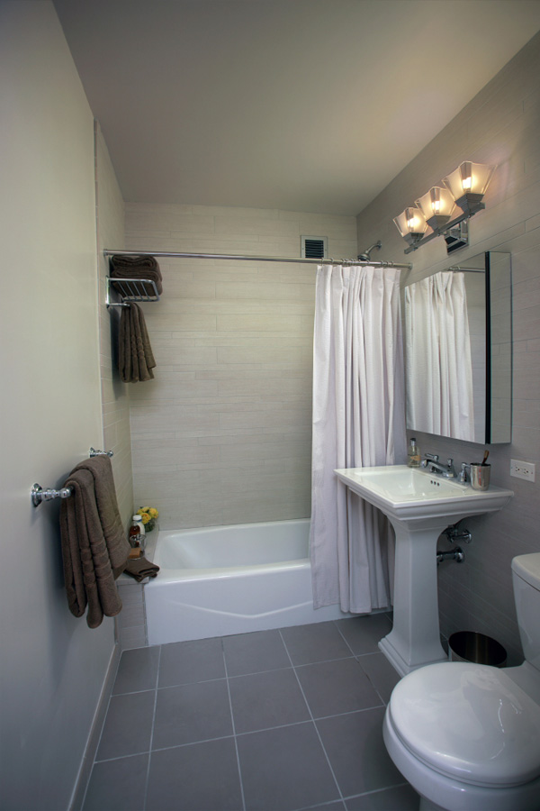 1510 lexington bathroom model nybits for Bathroom models images