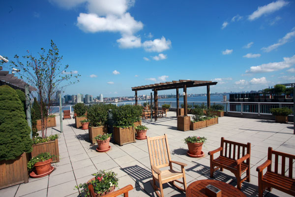 22 River Terrace: Rooftop Terrace