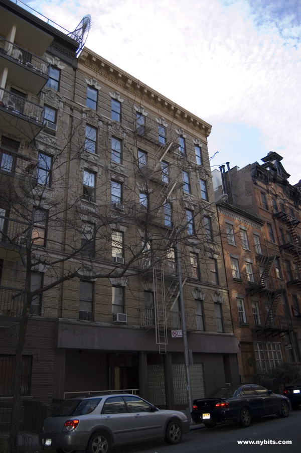 220 East 25th: Street View