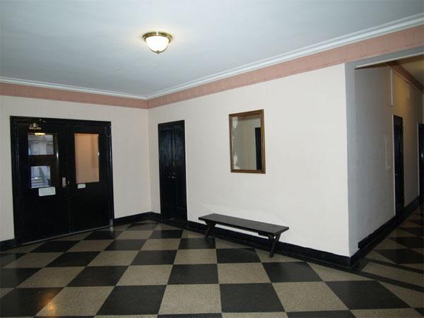 530 East 88th street: Lobby