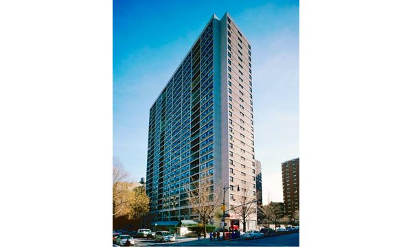 70 West 95th street: The Building
