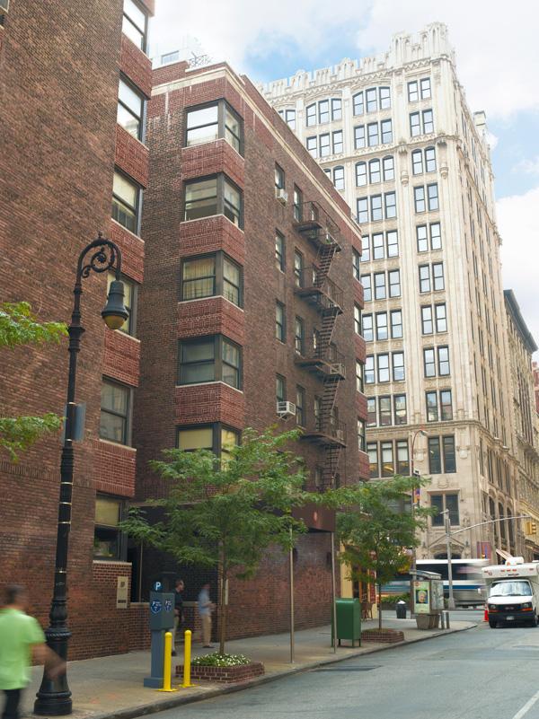 8 Gramercy Park: Building