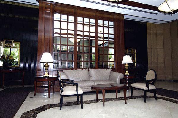 Claridge House Lobby Nybits