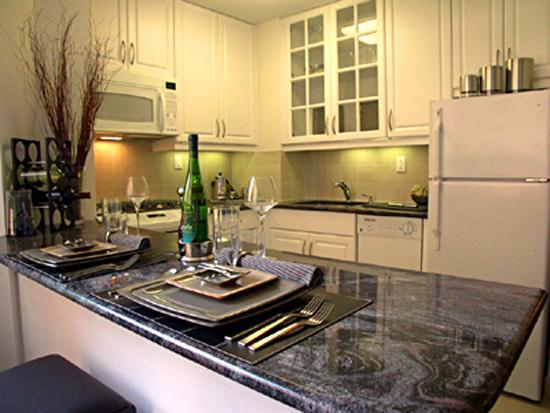 Kips Bay Court: Kitchen