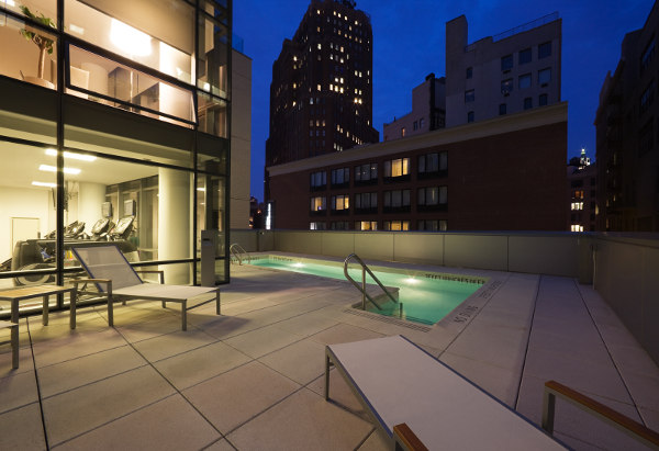 One York Street: Swimming Pool