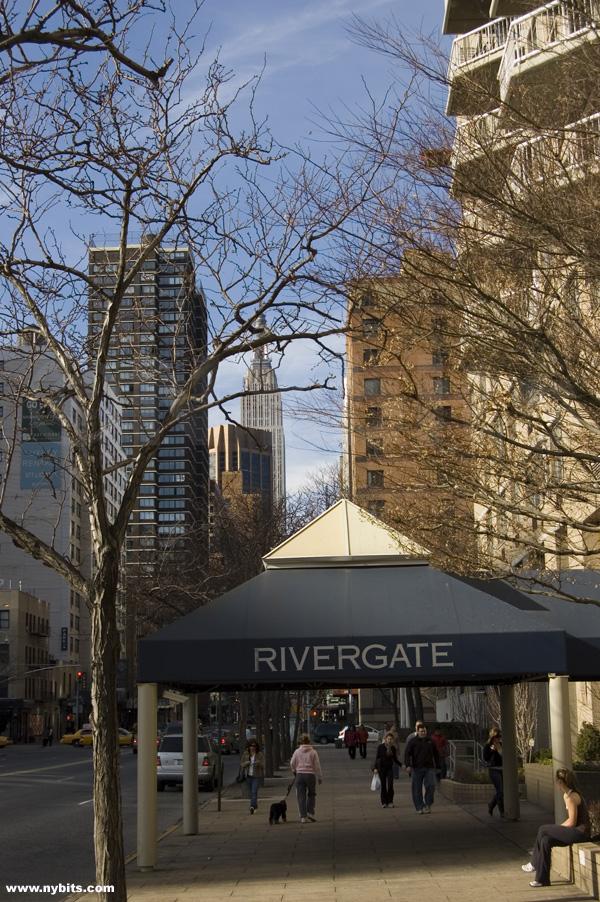 Rivergate: Street view