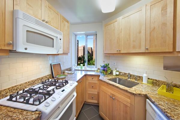 ST: Classic: Kitchen