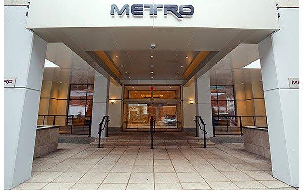 The Metro: Entrance