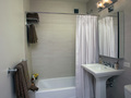 1510 Lexington: Bathroom (model)